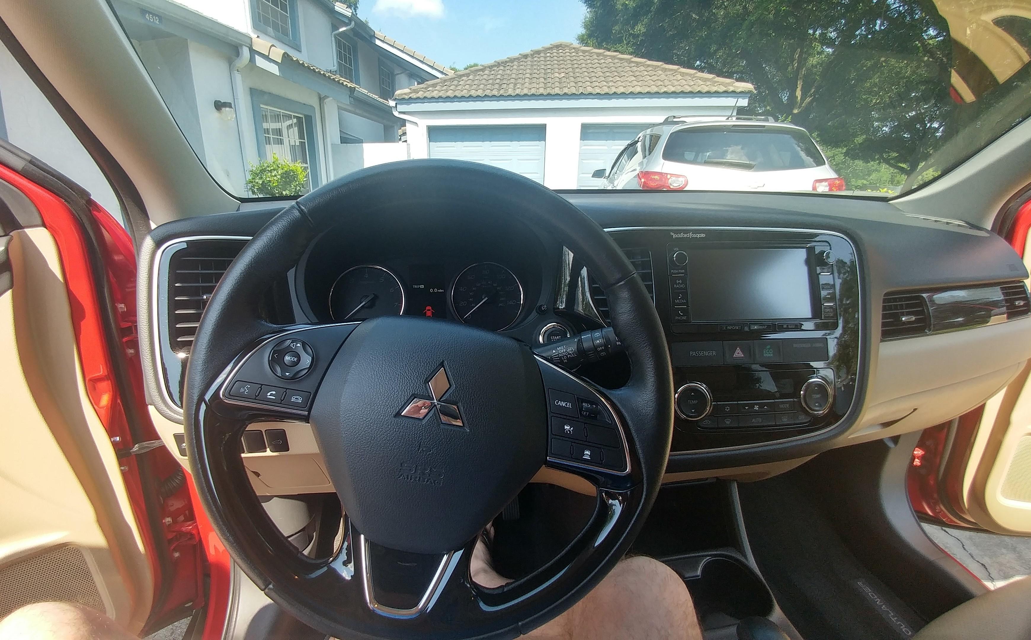 Mitsubishi Outlander instrument cluster and dashboard