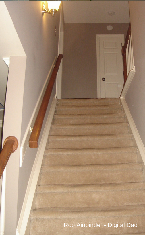Carpeted steps before the makeover